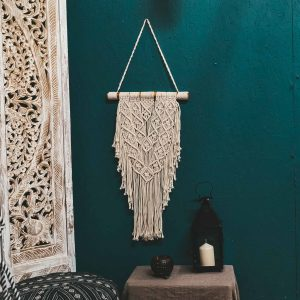 Macrame Wall Hanging Lifestyle 2 CrafterElena
