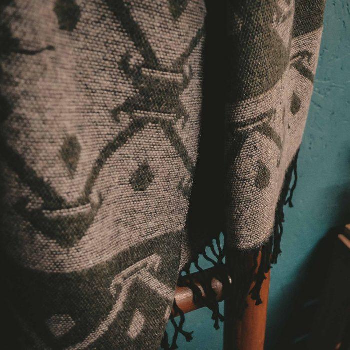 tribal pattern winter scarf green & beige detail